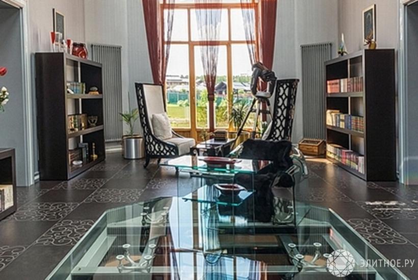 Самый дорогой дом РФ стоит как сотня французских замков